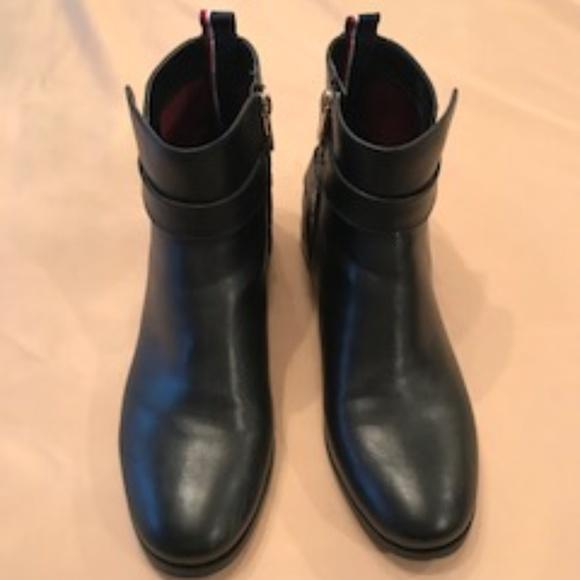 0ad334794dd36b Tommy Hilfiger Short Leather Boots. M 5c0446034ab6337f6c3e9446